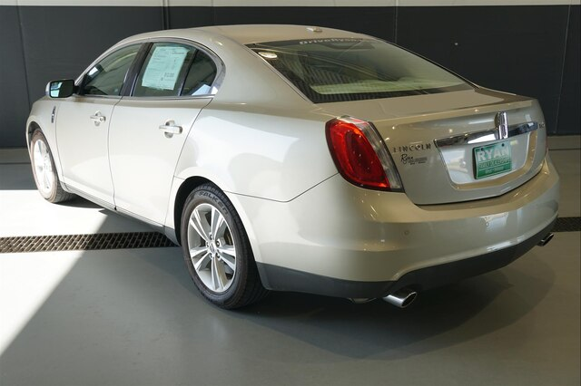 Pre-Owned 2011 LINCOLN MKS
